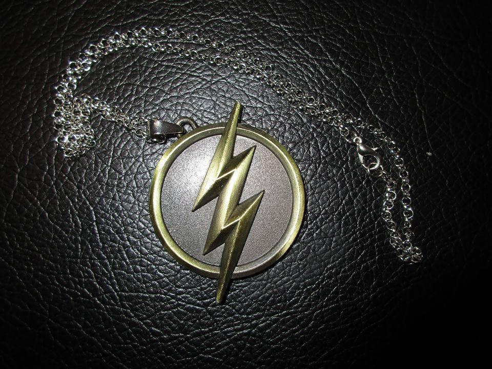 Игра: Спечелете медальон на The Flash